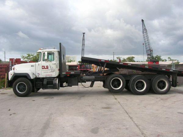 26 Ft. Dump Truck